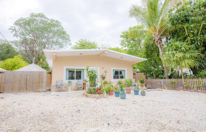 Awe Inspiring Florida Keys Real Estate News Claire Johnson Top Producer Interior Design Ideas Gresisoteloinfo